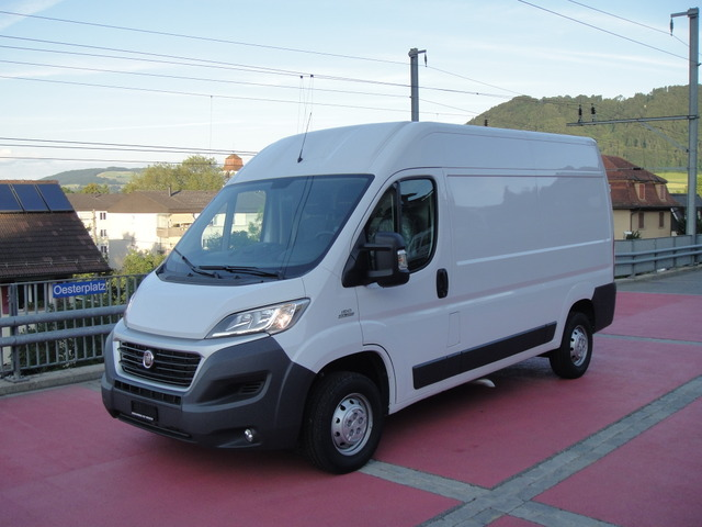 OAB6568_830970 vehicle image