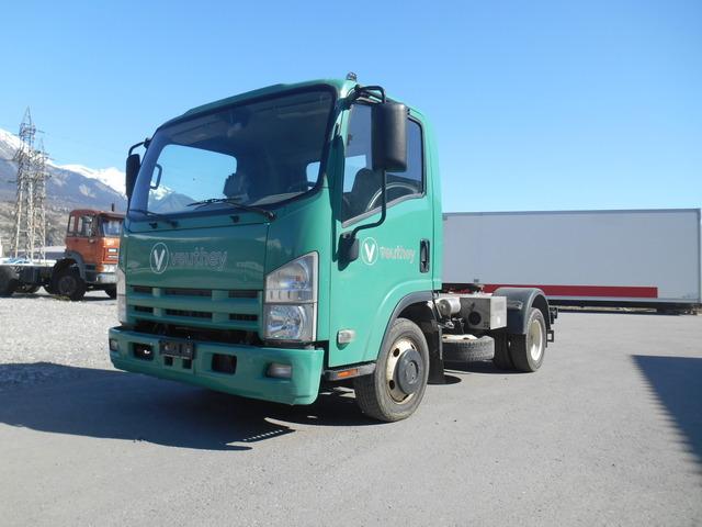 TROI280_943357 vehicle image