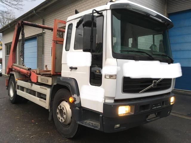 TOMY4226_1078081 vehicle image