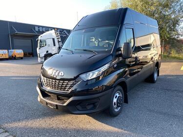 STUD177_1179384 vehicle image