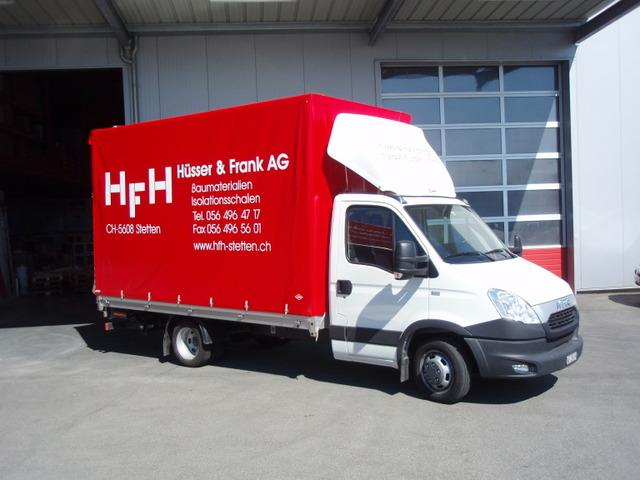 Anne38_923163 vehicle image