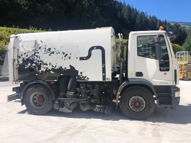 REBA3000_1022051 vehicle image