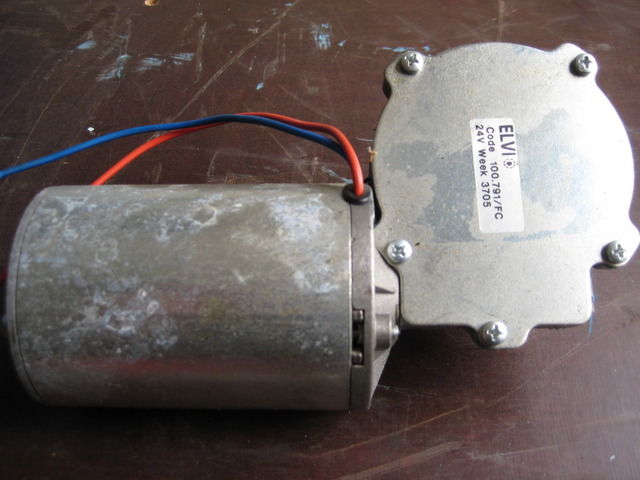 RARO1486_711844 vehicle image