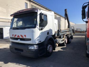 ZELJ895_1030432 vehicle image