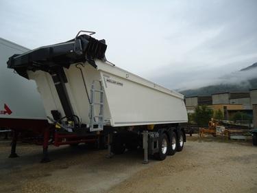 ABAT518_1054351 vehicle image