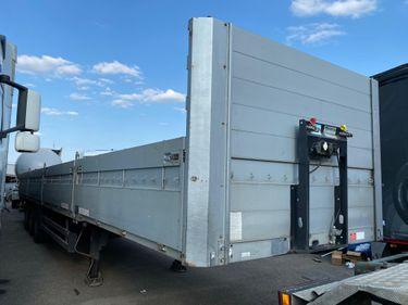 ZELJ895_1210415 vehicle image