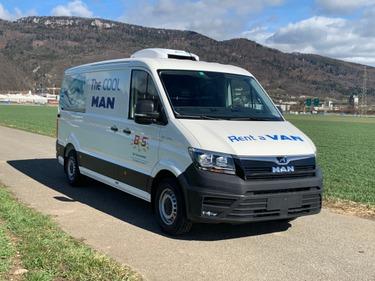 BFS260_943359 vehicle image